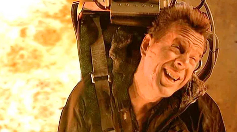 """The infamous ejection seat sequence in """"Die Hard 2"""".e"""