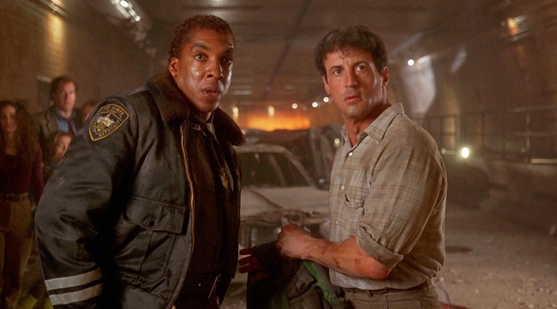 """Sylvester Stallone and Stan Shaw in """"Daylight"""" (1996)"""