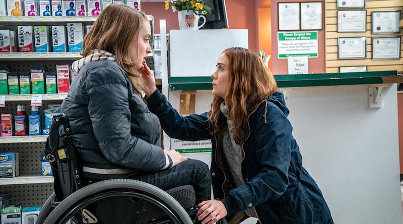 "Chloe (newcomer Kiera Allen) and her mom Diane (Sarah Paulson) in ""Run"" (2020)"