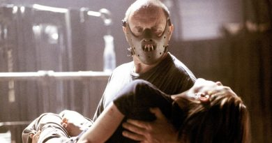 """Anthony Hopkins and Julianne Moore in """"Hannibal"""" (2001)"""