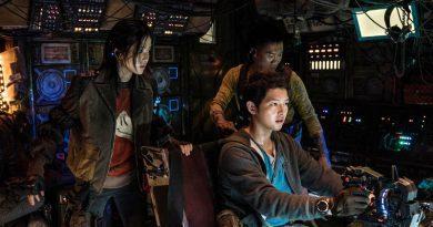 "Kim Tae-Ri, Song Joong-Ki and Jin Seon-Kyu in Netflix's ""Space Sweepers"" (2021)"