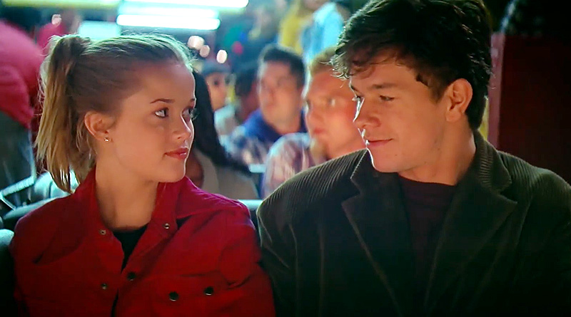"""Reese Witherspoon and Mark Wahlberg in James Foley's """"Fear"""" (1996)"""