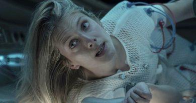 """Melanie Laurent in Netflix's """"Oxygen"""" (2021)"""