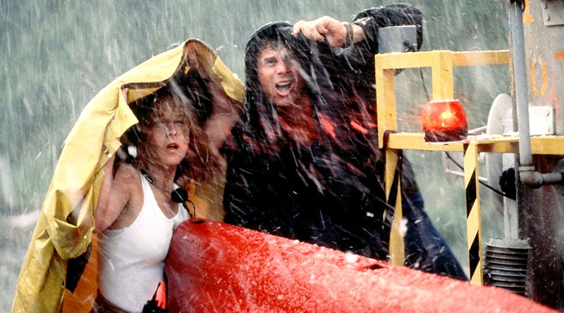 """Bill Paxton and Helen Hunt in """"Twister"""" (1996)"""
